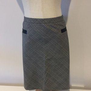 Loft winter mini skirt leather packet detail